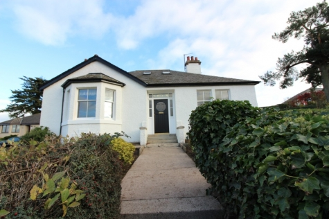 Detached Bungalow with Stunning Views